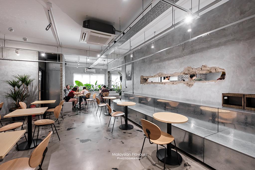 wu-cafe-interior