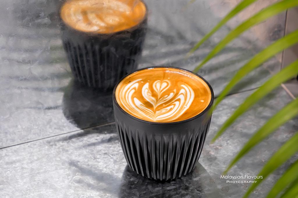 wu-cafe-coffee_