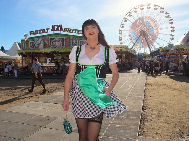 Accidental skirt tease
