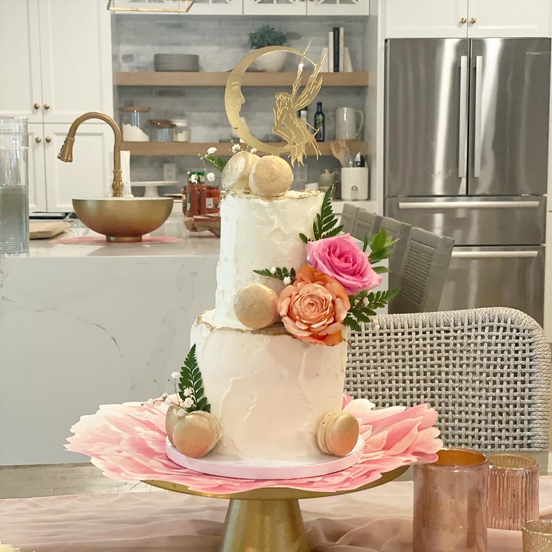 Cake by Carrot Top Cakery