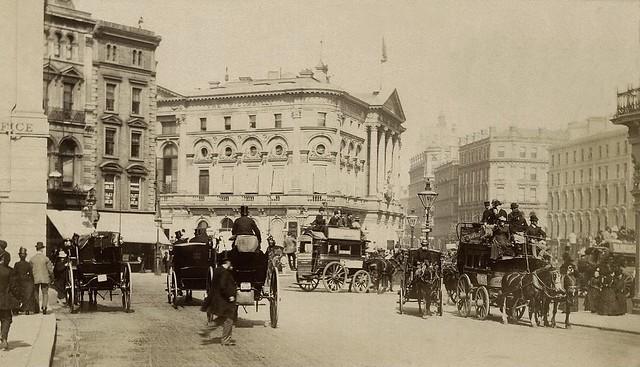 London, Street Scene ...