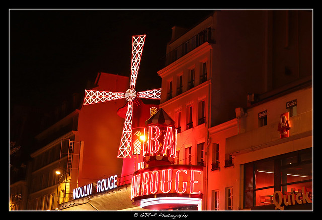 2021.09.24 Moulin Rouge by night