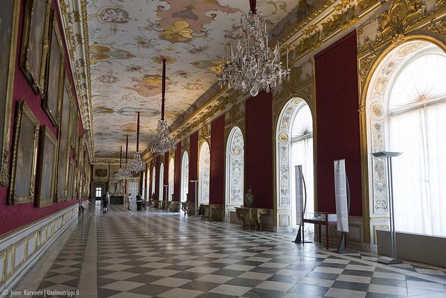 Neues Schloss Schleissheimin prameaa käytävää