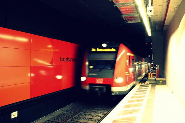 DB,423007,Stuttgart_Hbf(tief),30-09-2021