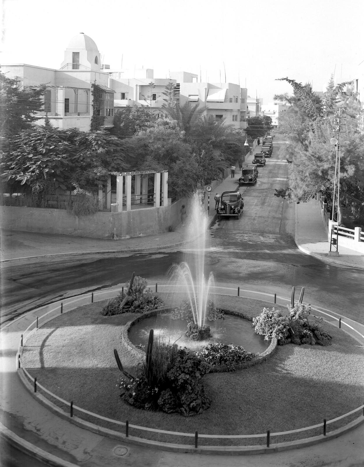 16. 1938. Улица Бялик