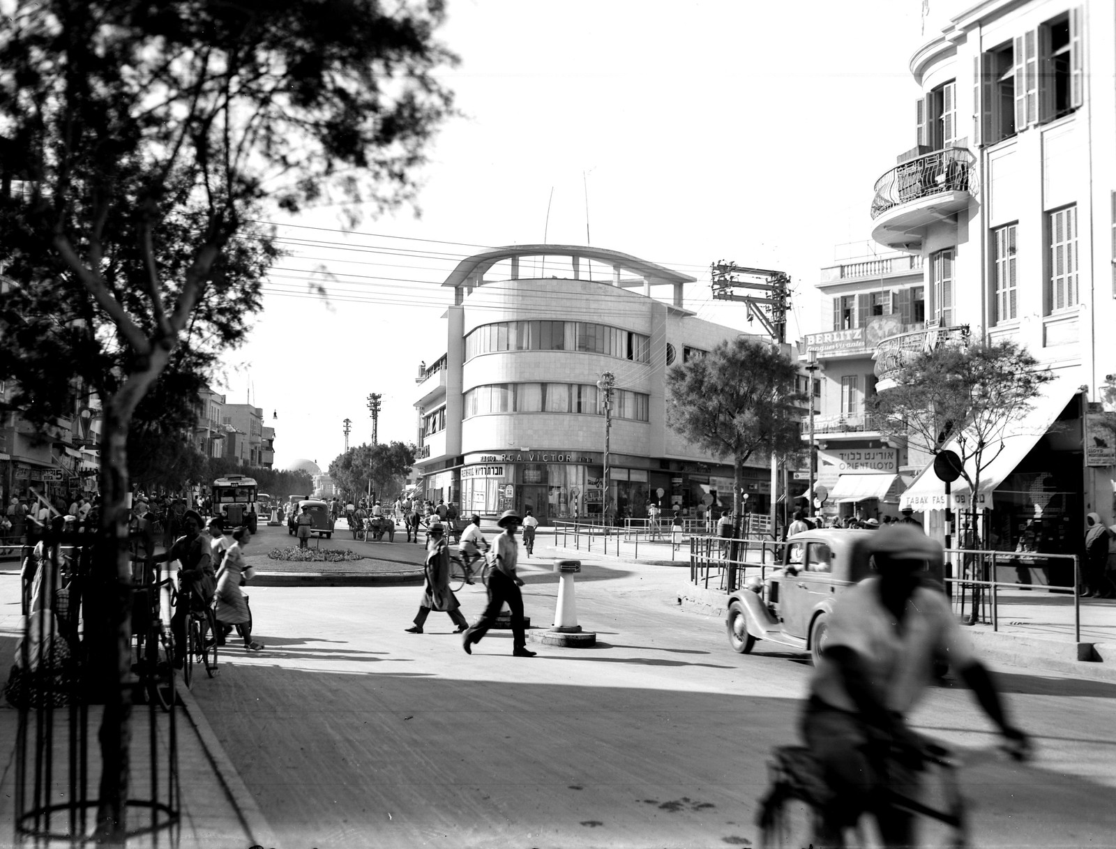 14. 1938. Улица Алленби
