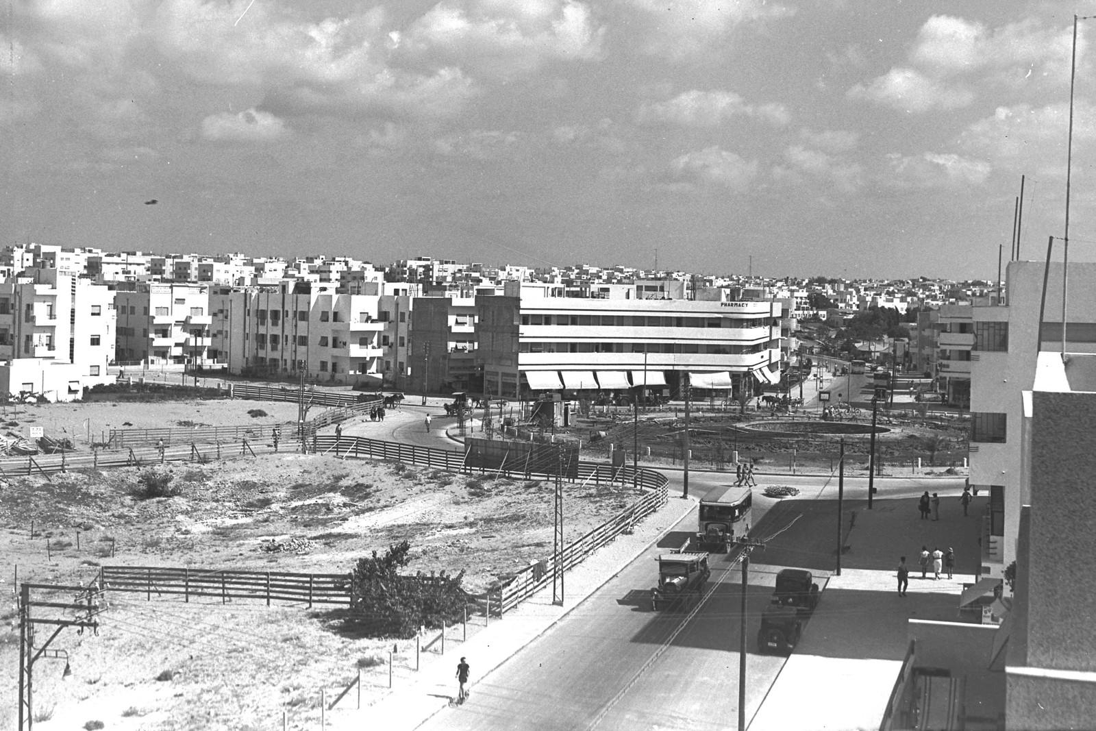 10. 1937. Площадь Дизенгоф в Тель-Авиве