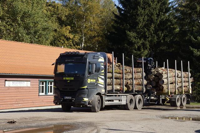 MAN TGX 33.510 Trucktat met kenteken KB-TT 2204 in Stiege 09-10-2021