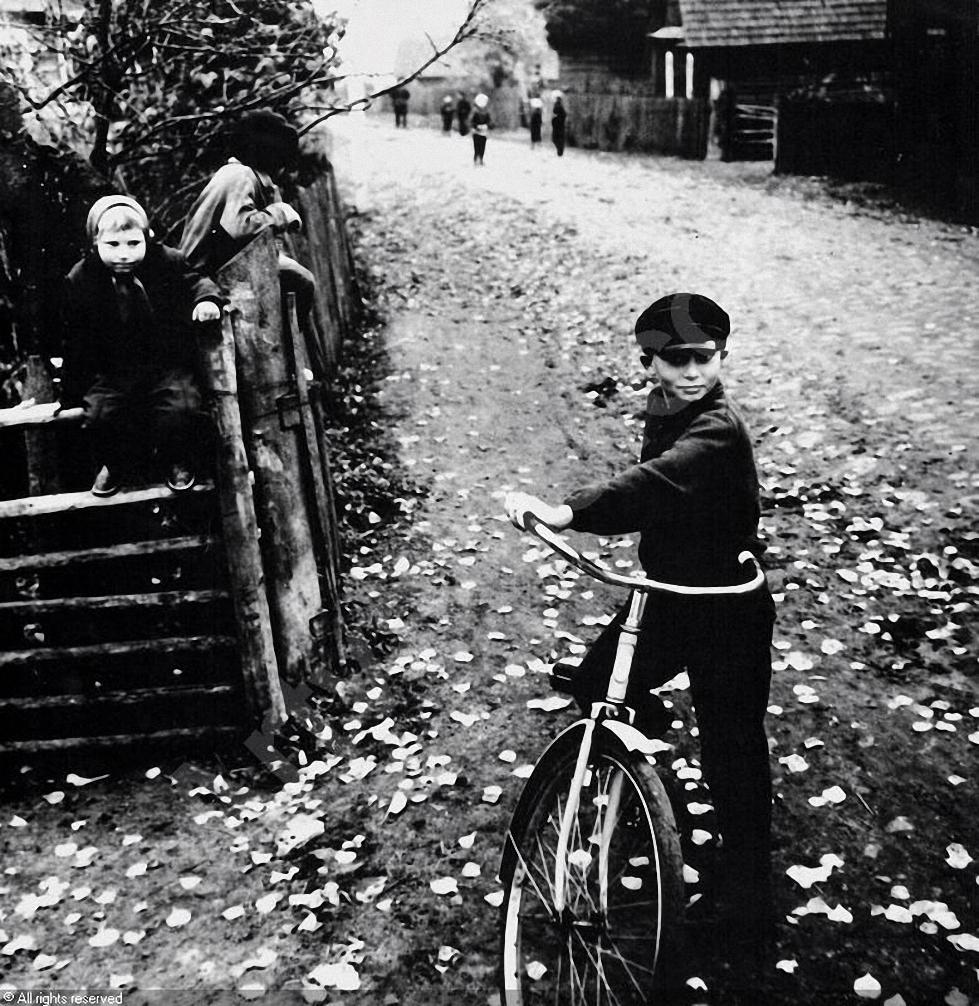 1969. Деревенская улица. Дзукия