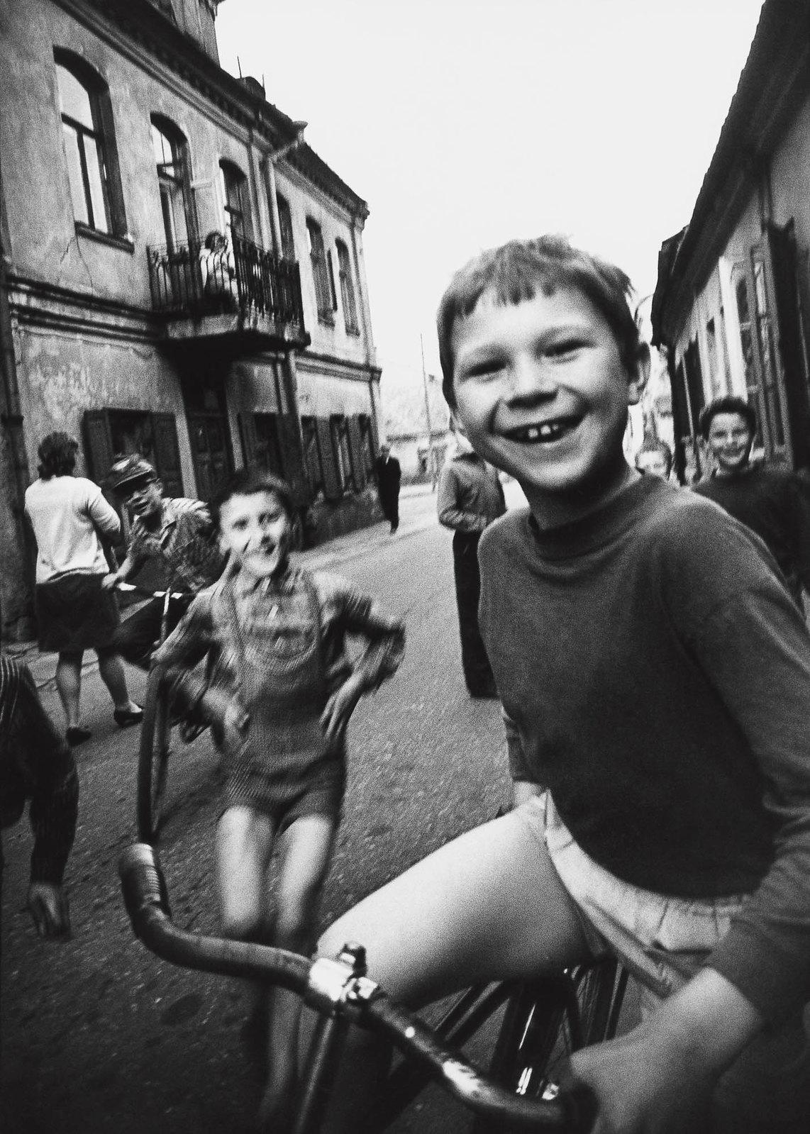 1970. Вильнюс. Мальчик в старом городе