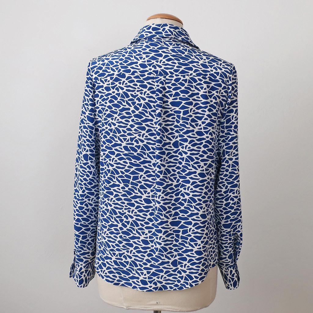 Silk shirt back