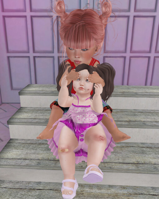 Sava Outfit & Stairs Pose 2