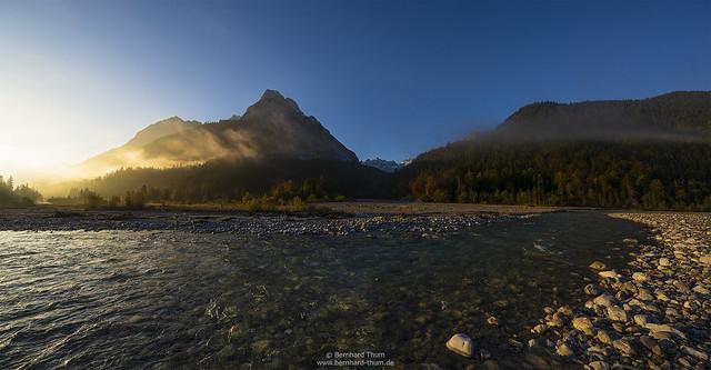 Autumnal morning light at Karwendel