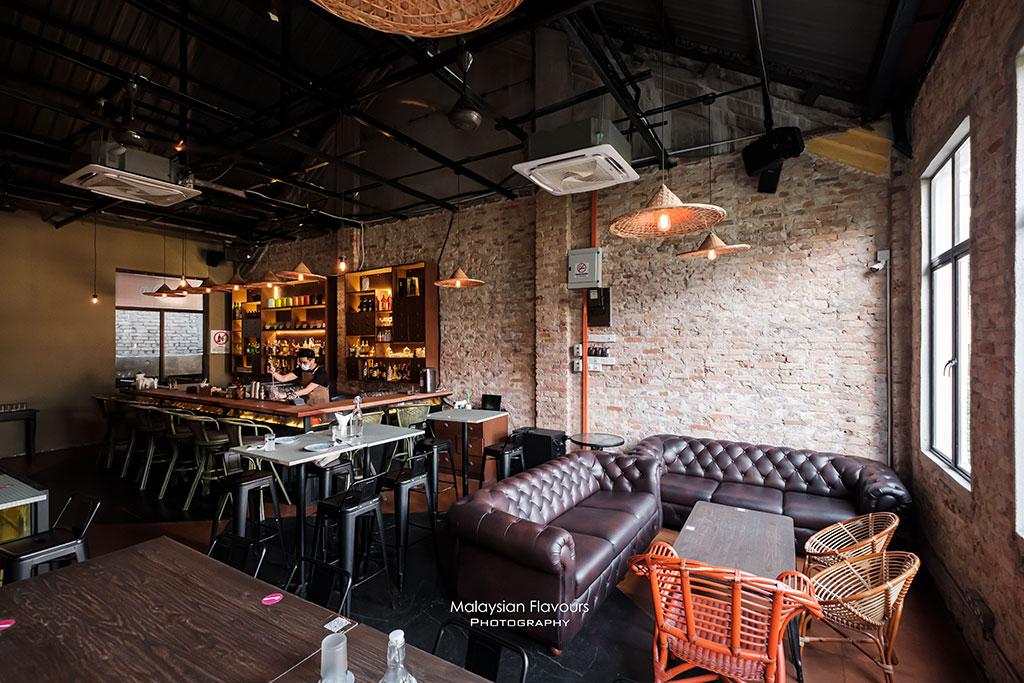 sin-chew-kee-bar-interior