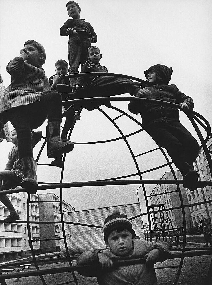 1971. Вильнюс. Детская площадка