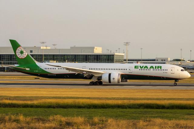 EVA Air Boeing Dreamliner 787-10 B-17801 YVR