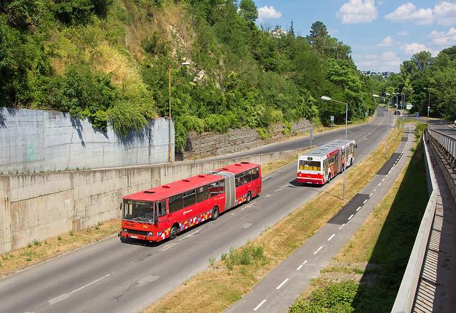 Kĺbové retro   Karosa B 741 #2653 + TAM 272 A 180 M #1414   Bratislava - Devínska cesta