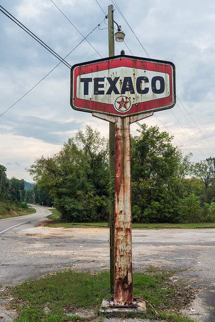Rusty Texaco Sign