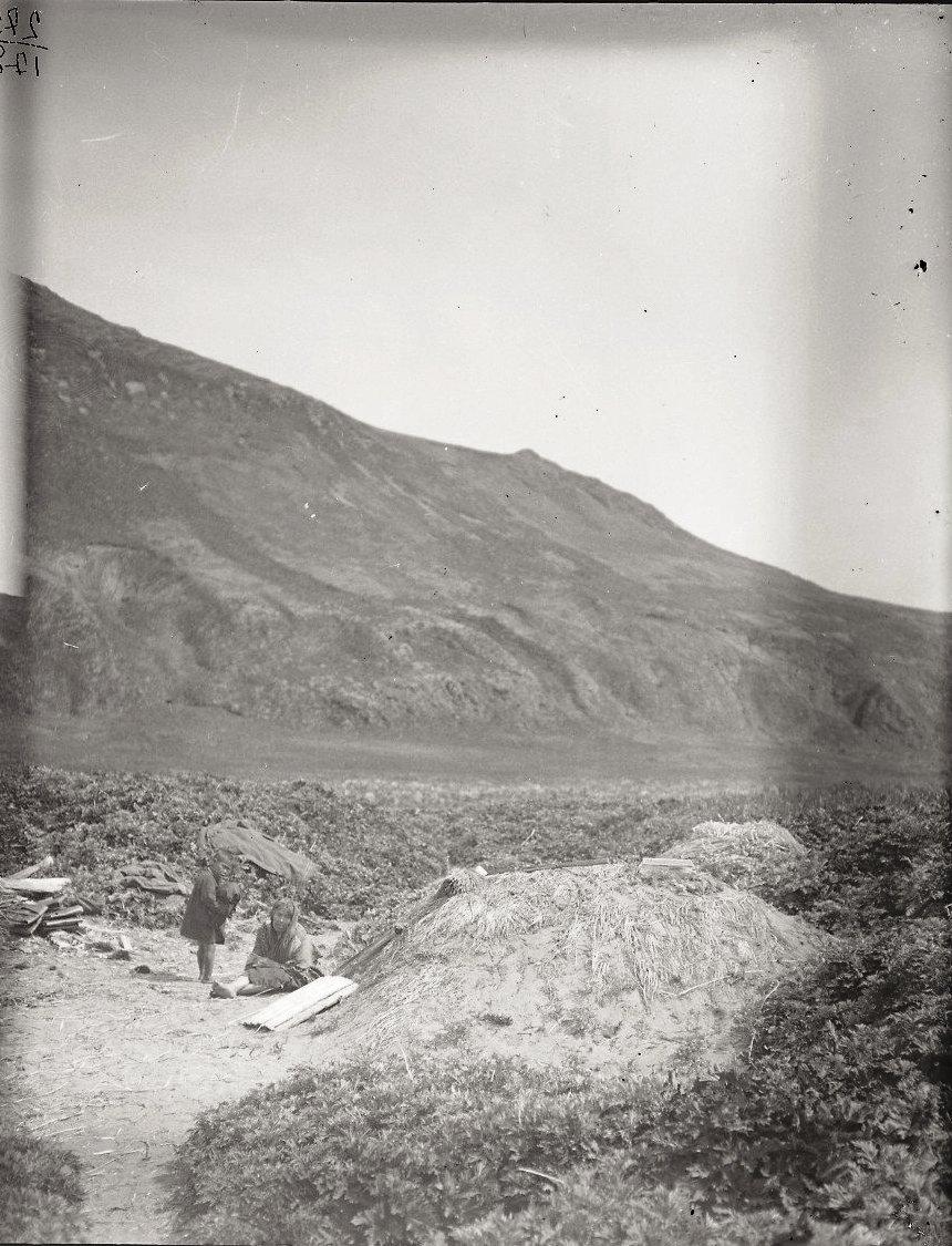 1909. Летние землянки. Атту остров