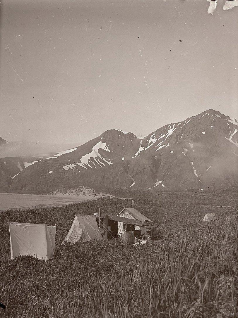 1909. Лагерь экспедиции. Атту остров.