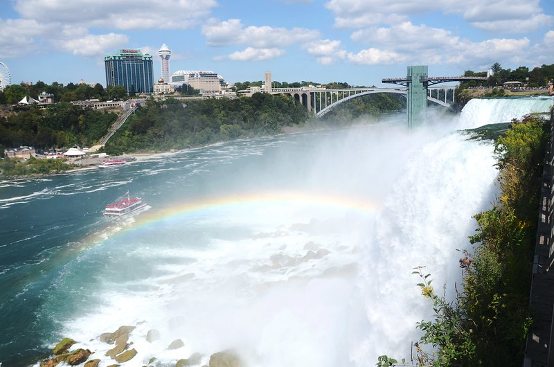 Looking down the Niagara River with rainbow from Luna Island (4)
