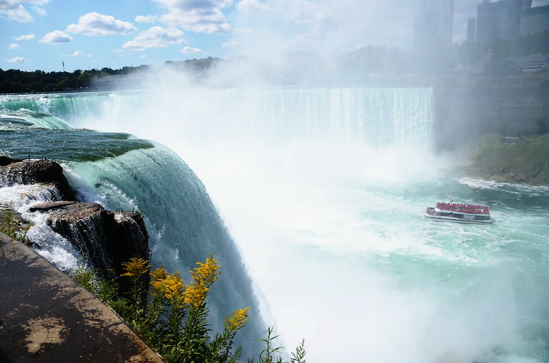 View to southwest at Horseshoe Falls from The Terrapin Point (2)