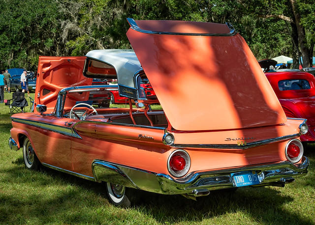 1959 Ford Fairlane 500 Galaxie Skyliner