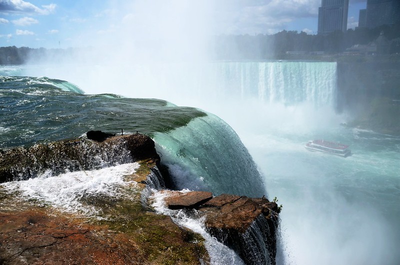 View to southwest at Horseshoe Falls from The Terrapin Point (8)