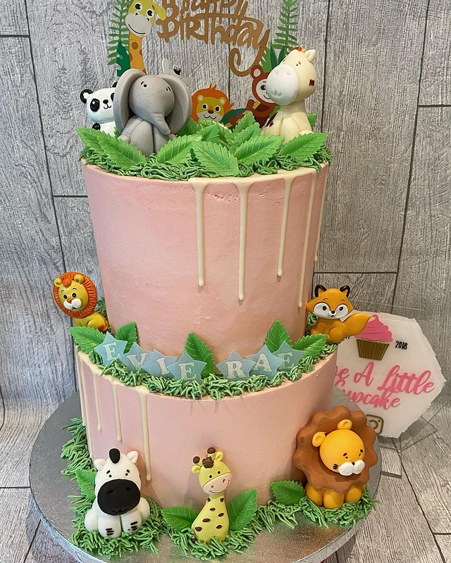 Cake by Give A Little Cupcake