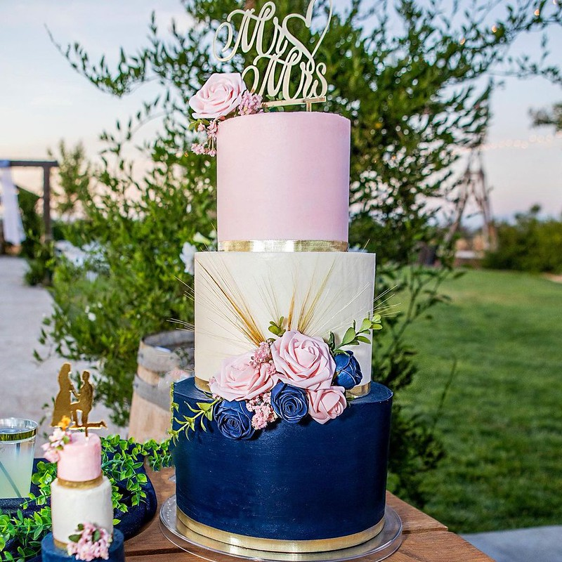 Cake by Gaga Bakes