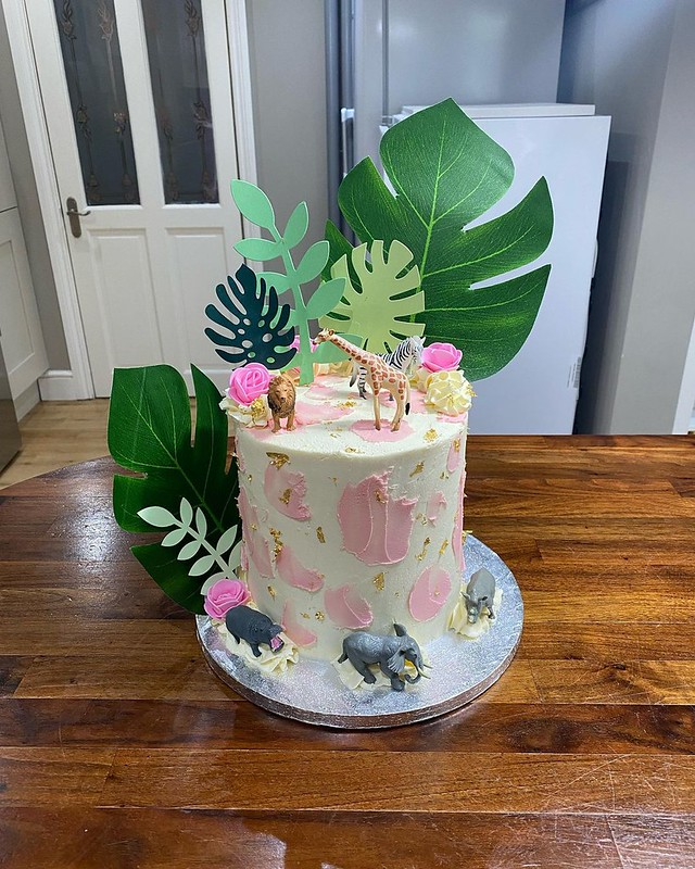 Cake by B's Bakery