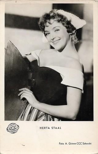 Herta Staal (1930-3021) in Das Bad auf der Tenne