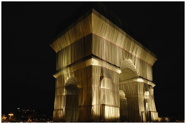 L'Arc de Triomphe, Wrapped  2021.09.25,20h31