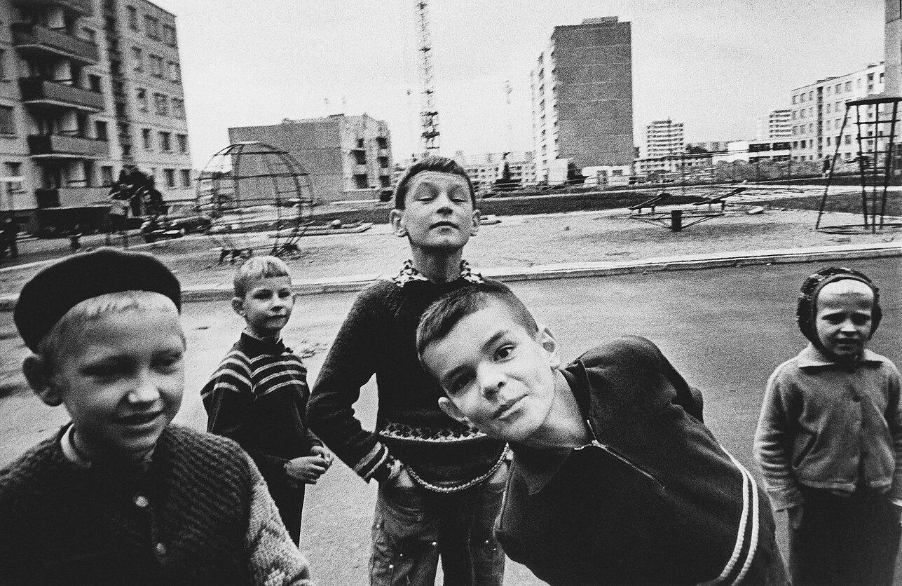 1971. Вильнюс. Мальчики во дворе