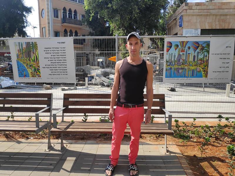 ציורי תל אביב יצירות אמנות ישראלית במרחב הציבורי העירוני גדרות מחייכות שדרות ירושלים יפו אמנים ישראלים מרחב ציבורי עירוני