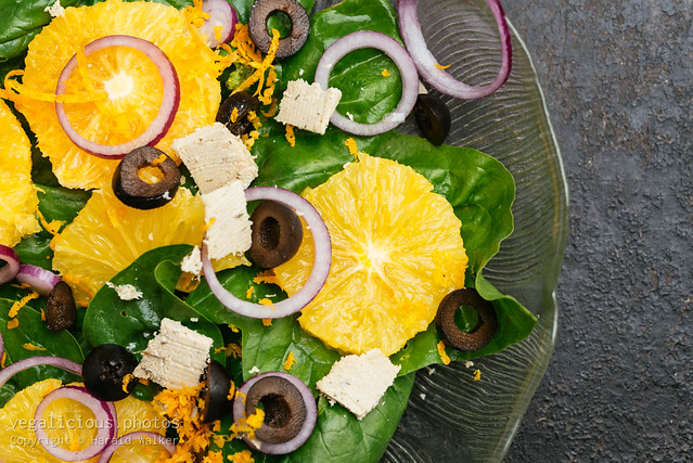 Spinach Salad with Oranges, Black Olives, and Red Onions