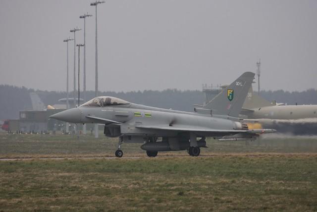 3 Squadron at RAF Kinloss 30/03/2007