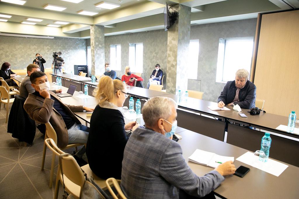 12.10.2021 - Participarea vicepreședintelui Comisiei economie, buget și finanțe, Radu Marian, la ședința Clubului Presei Economice
