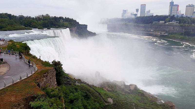 View from the Niagara Falls observation tower (1)