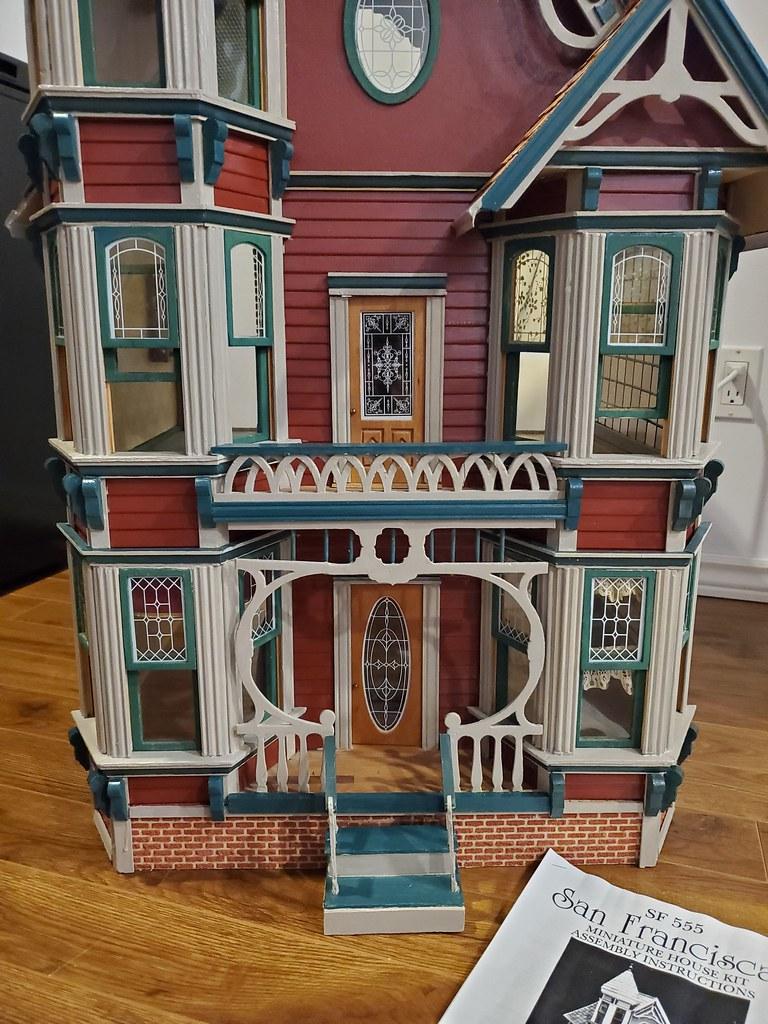 San francisca Dollhouse