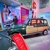 • 60 ans de la 4L • L'Atelier Renault · • La Parisienne • #freetolove . #4llaparisienne #cannage #voiture #car #parischampselysees #paris @atelierrenault #atelierrenault #backintime #renault #exposition #renault4l