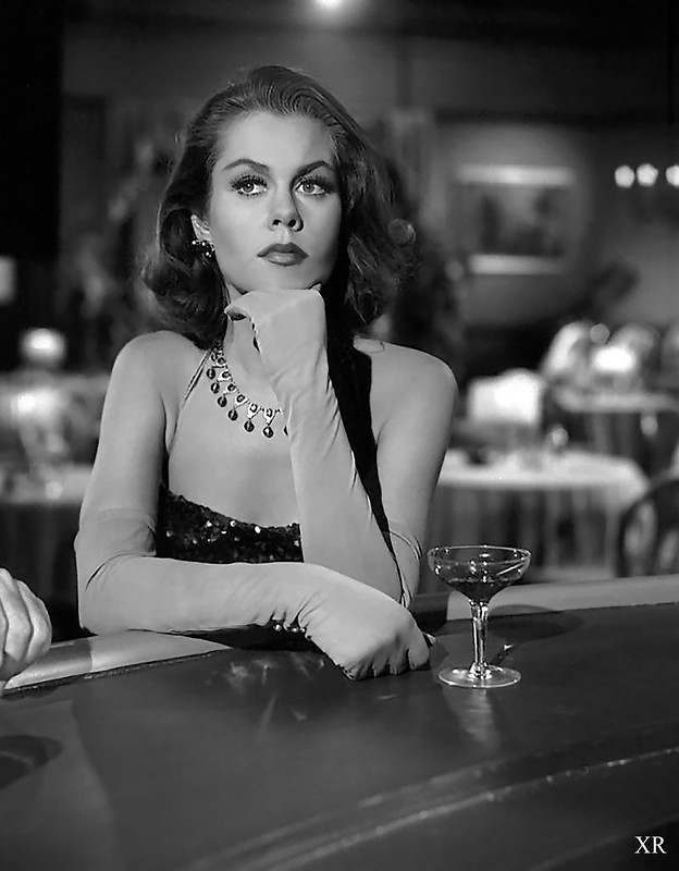 1963 ... Elizabeth Montgomery