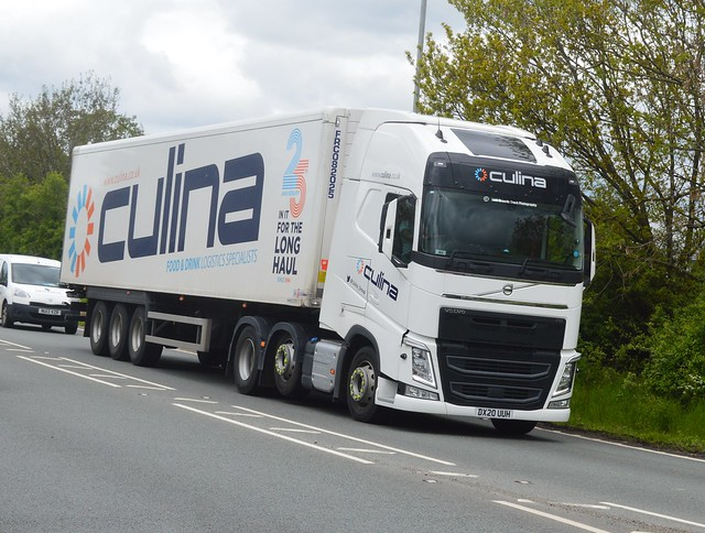 Culina DX20 UUH Driving Along the A5 At Oswestry