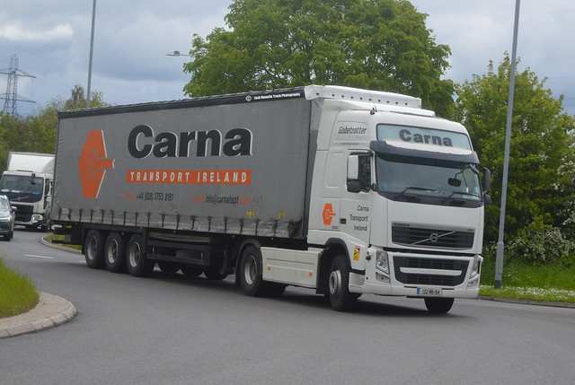 Carna Transport 132-MN-164 (Ireland) Driving Along the A5 At Oswestry