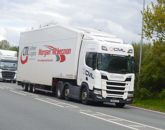 CML Fulfilment MD19 OYF Driving Along the A5 At Oswestry