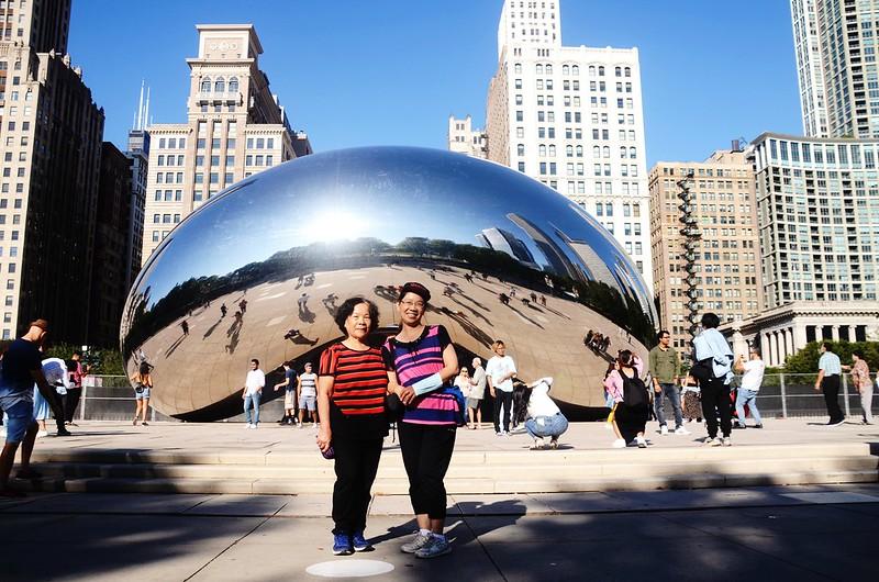 The Bean (Cloud Gate) in Chicago Millennium Park (1)