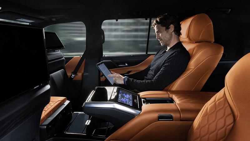 Lexus-LX (11)