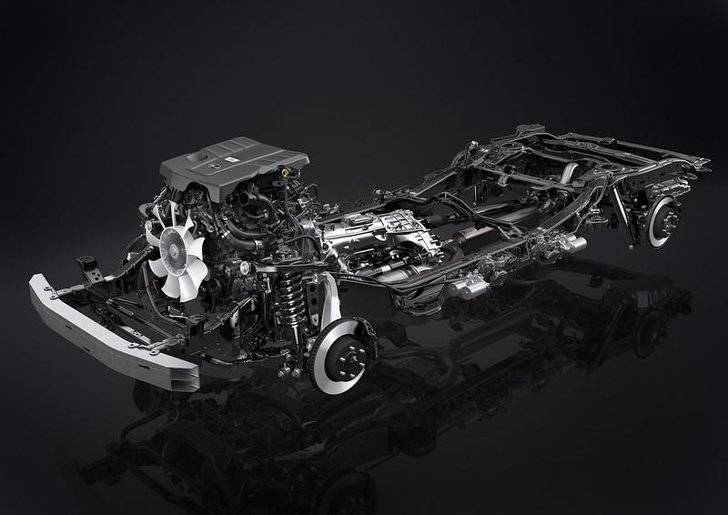 2022-Lexus-LX-600-38