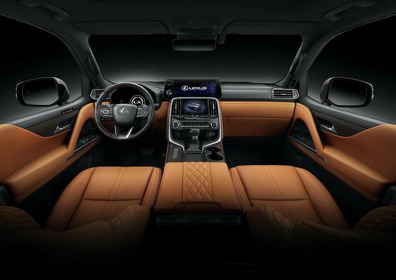 2022-Lexus-LX-600-11