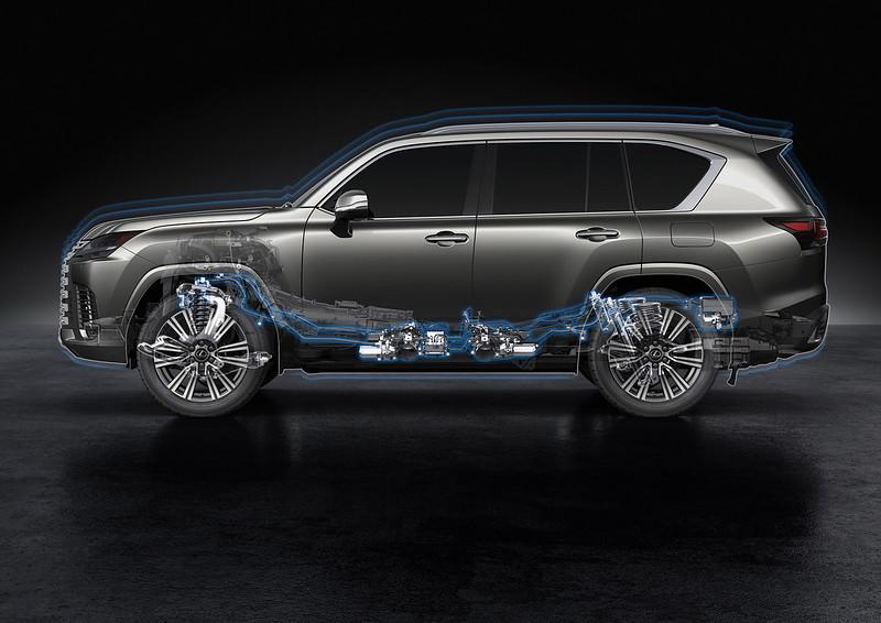 2022-Lexus-LX-600-42